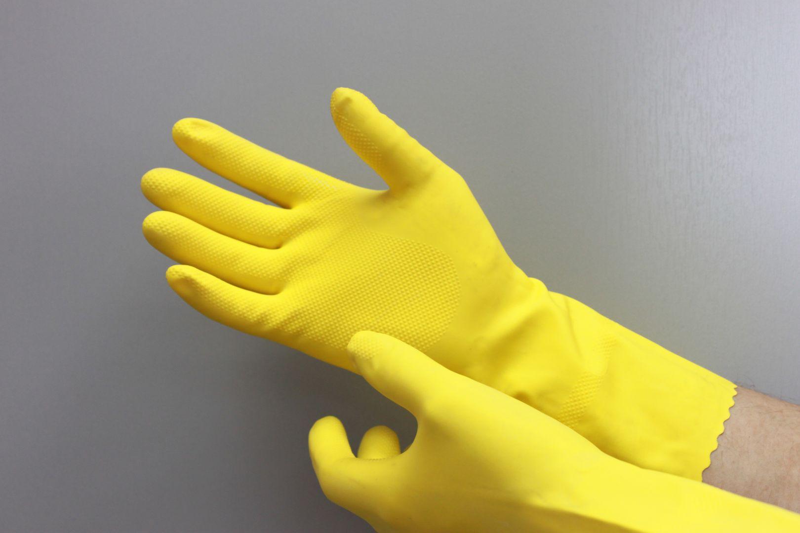 Член и резиновые перчатки 16 фотография